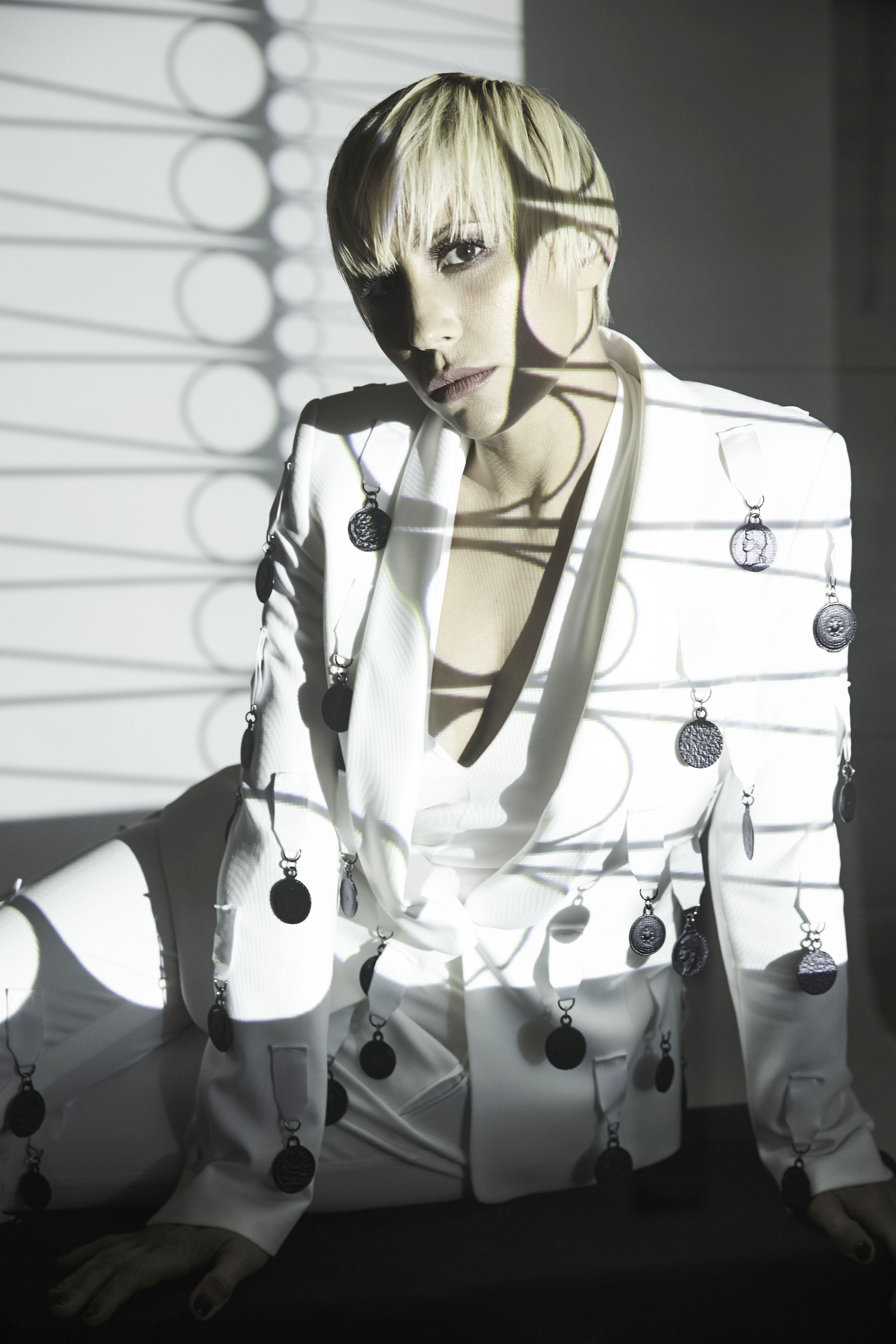MALIKA AYANE Domino Tour: Teatro e Club, Talento e Ironia