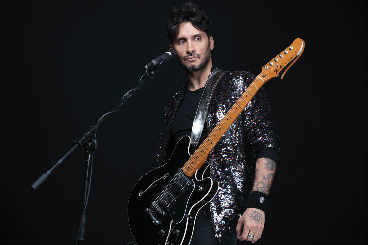 FABRIZIO MORO live a Milano: <br> Rock e acustico come la vita